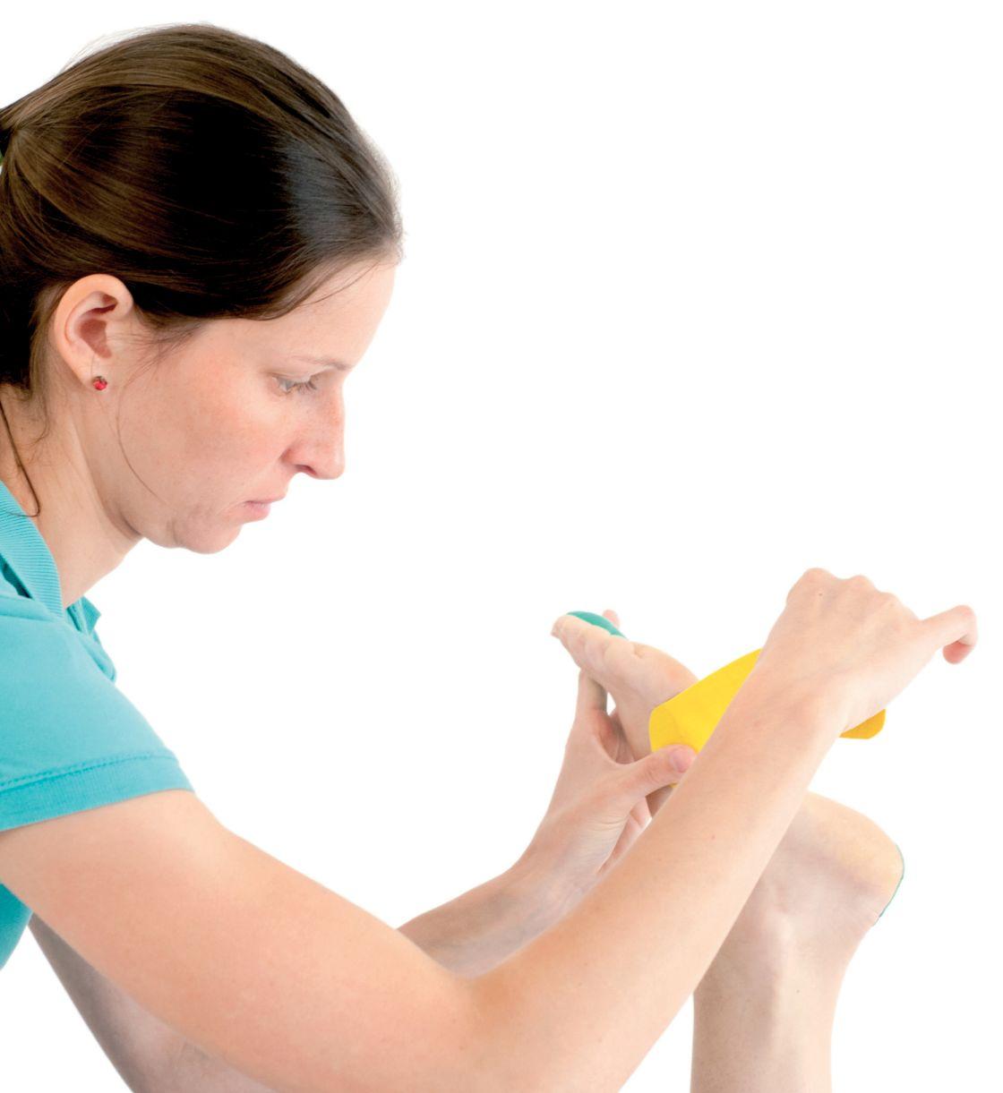 tejpování příčného plochonoží a vbočeného palce 8