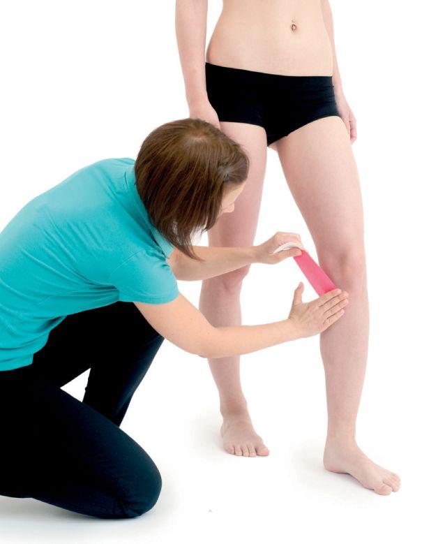 Tejpování kolene side-to-side