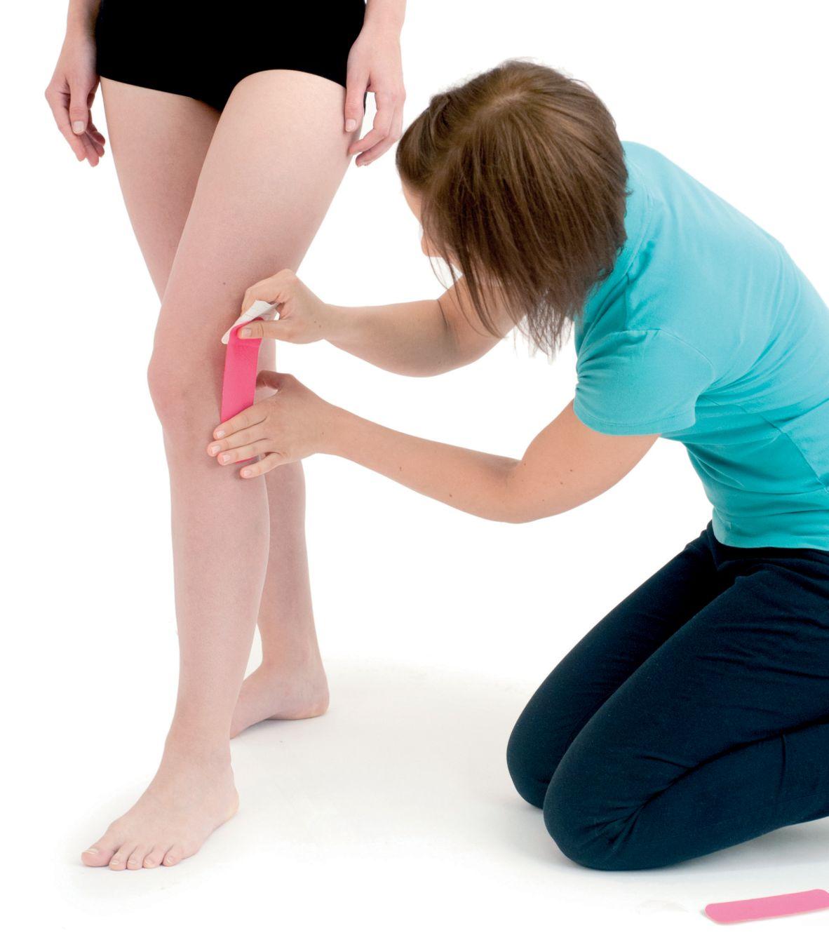 Tejpování kolene side-to-side 4