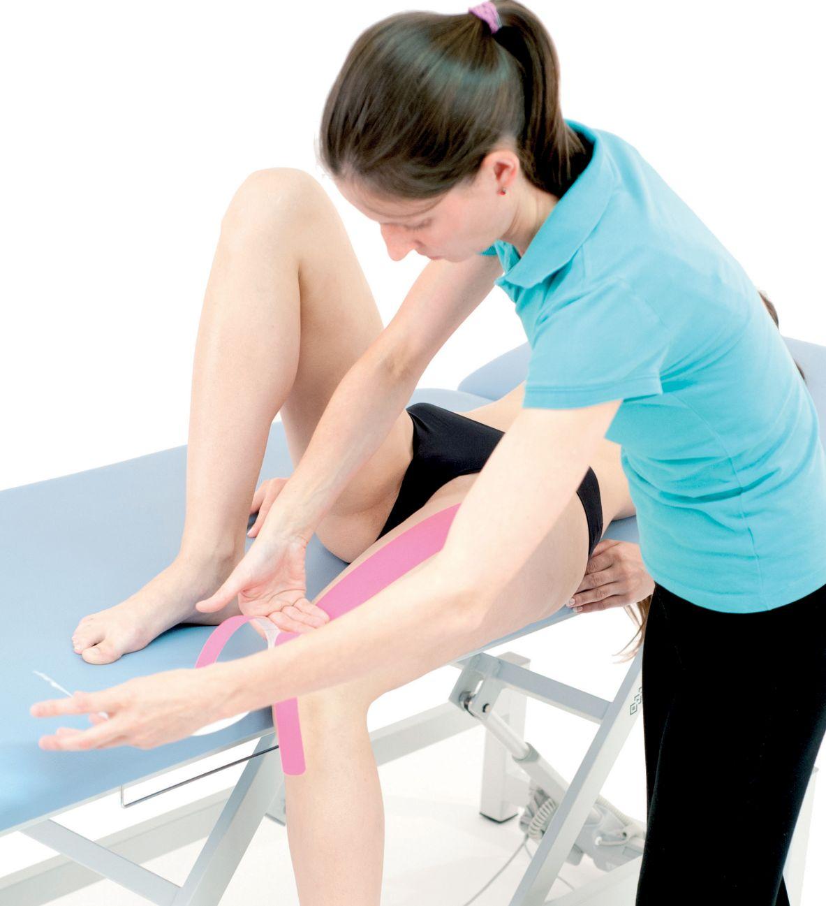 Tejpvání přímého svalu stehenního
