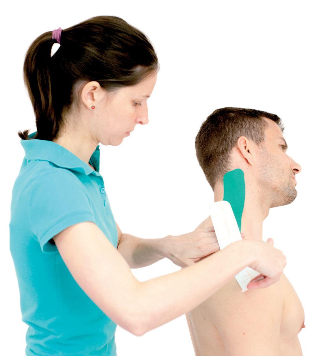 Tejpování krku – krčních svalů