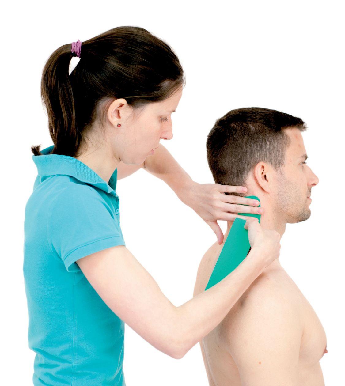 Tejpování krku – krčních svalů 2